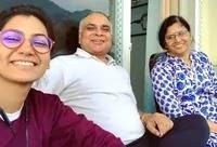 श्रीति झा अपने माता पिता के साथ
