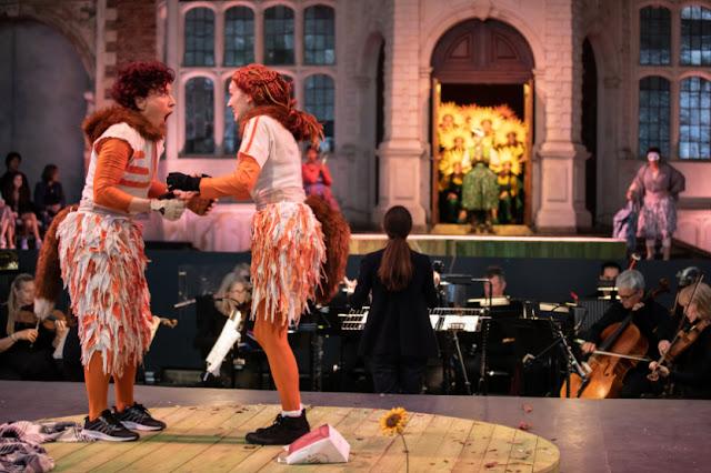 Janacek: The Cunning Little Vixen - Julia Sporsen, Jennifer France - Opera Holland Park, 2021 (Photo Ali Wright)