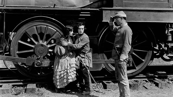 Johnnie Gray (Buster Keaton) with Annabelle Lee (Marion Mack) and Confederate soldier