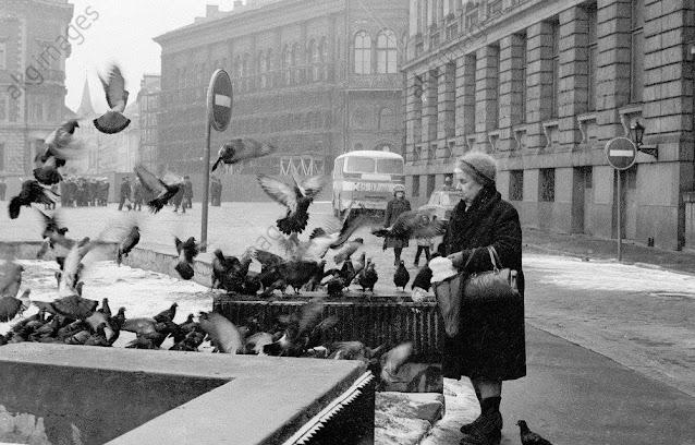1981 год. Рига. На площади 17 Июня