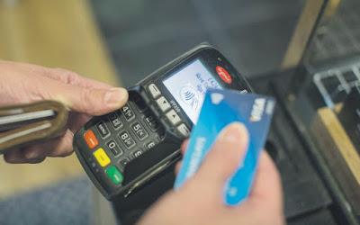 http://www.jornaleconomico.sapo.pt/noticias/salario-medio-esta-a-subir-portugueses-tiveram-aumento-de-13-euros-no-ultimo-ano-159938#.WR1Wvw-pMfw.facebook