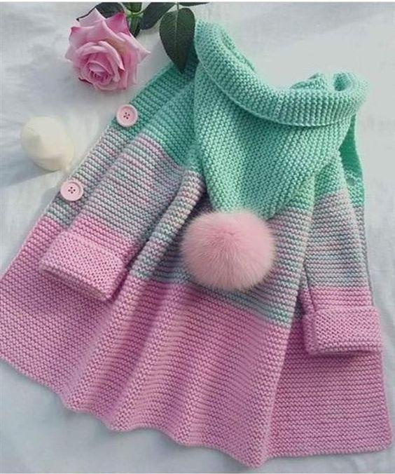 płaszczyk dla dziewczynki na drutach