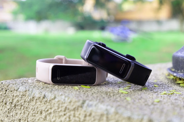 Patty Villegas - The Lifestyle Wanderer - Huawei - Band - 4 - Wearables - Sakura Pink - Graphite Black