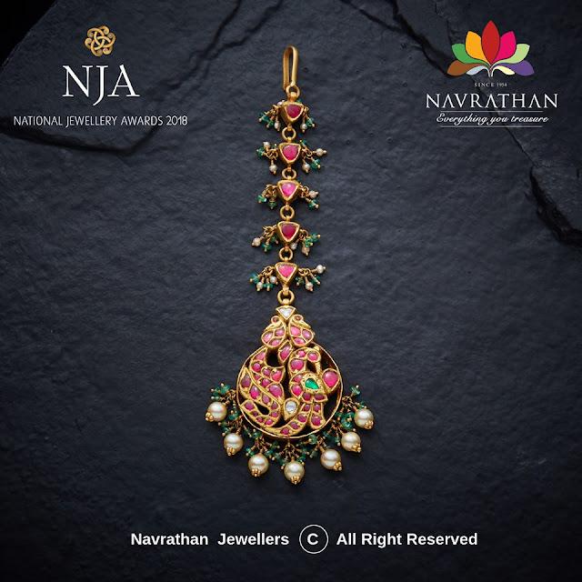 Kundan Maang Tikkas by Navrathan Jewellers