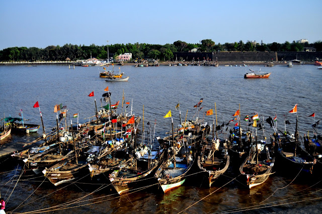 Daman fort sea Gujarat Travel Tourism Guide boats beach