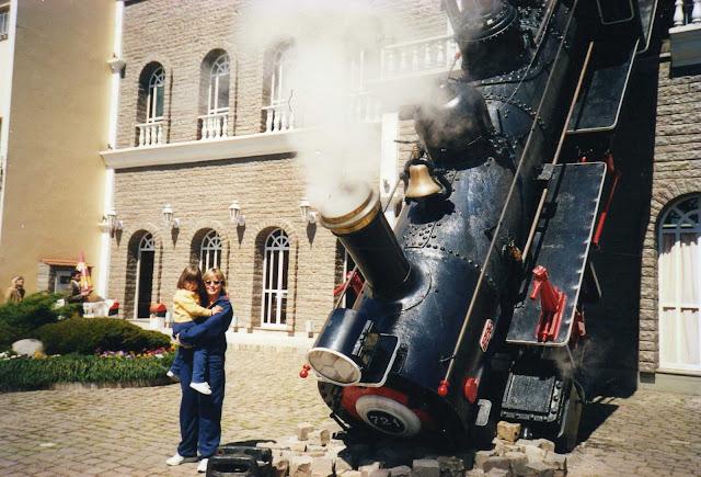 Trem caído em Gramado