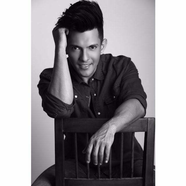 Aditya Narayan age, wife, girlfriend, marriage, date of birth, family, deepa narayan jha, singer, songs, marriage photos, movies and tv shows, love life, childhood, songs sung by, film, news