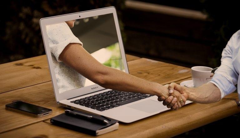 Tips Beli Laptop Second Berkualitas Secara Online