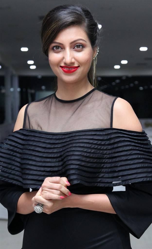 Hamsa Nandini Hot At SA Presents NYE 2018 Celebrations Poster Launch