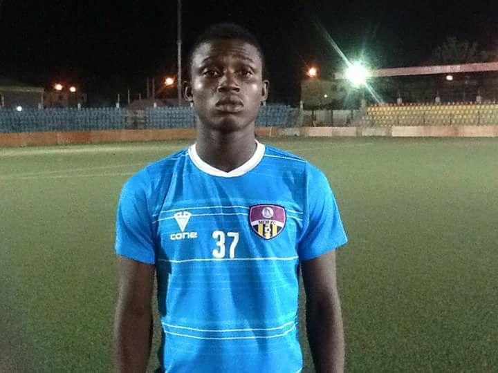 Ilechukwu hands teenage midfielder starting shirt