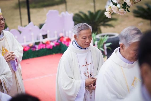 Lễ truyền chức Phó tế và Linh mục tại Giáo phận Lạng Sơn Cao Bằng 27.12.2017 - Ảnh minh hoạ 107