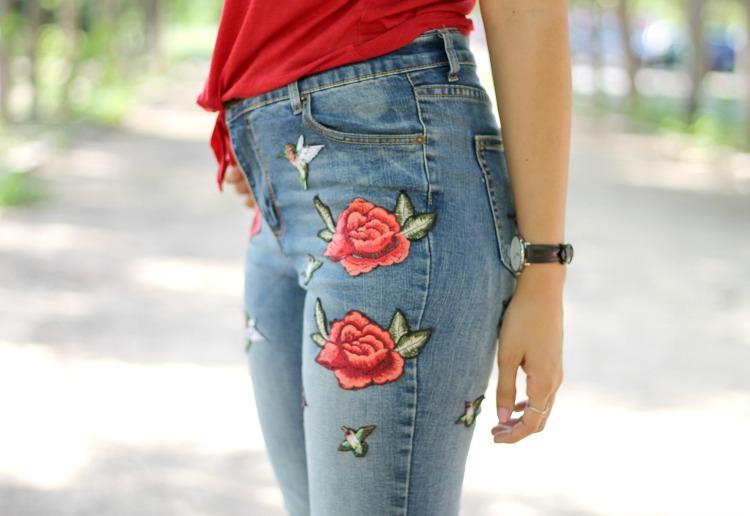 Resultado de imagen para parches de rosas en jeans