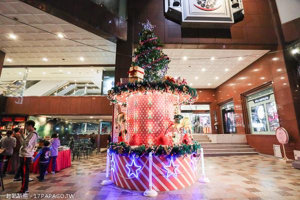 2018台中聖誕節活動,台中中友百貨,旋轉木馬,夢幻甜點,聖誕森林