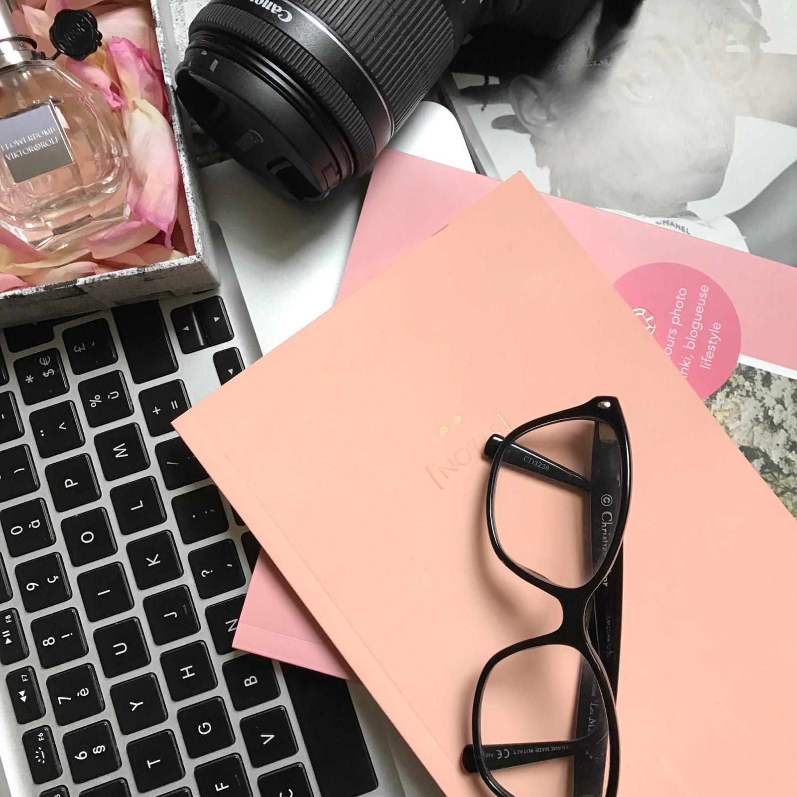 blog blogger blogging comment augmenter son lectorat mode fashion lifestyle comment développer son blog faire connaitre son blog l'importance des réseaux sociaux aggrandir les lecteurs toucher plus de monde référencement SEO porter des escarpins quand comment chaussures bleus comment porter des chaussures bleues tour eiffel blaser etre addict chez Zara trouver des pièces abordables des pièces très peu chères blog blogger blogueuse fashion blogger référencement SEO se faire connaitre avoir plus de vues et des commentaires gagner en visibilité devenir blogueuse professionnelle les raisons