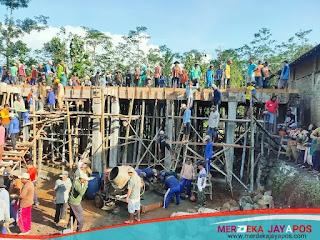 Pengecoran Ponpes Nurul Ilmi PCM Kembang dibantu Warga Nu Bucu, Pererat Tali Ukhuwah
