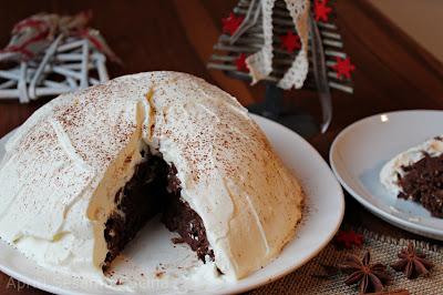 Montagna di castagne, rum e cioccolato ricoperta da leggera neve di panna Stuffer. Dolce al cucchiaio, senza glutine.