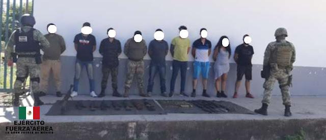 """Capturan a 9 sicarios del CJNG bien formaditos que los dejaron entre ellos el """"Jaguar"""" uno de los que emboscaron y masacraron a 13 Estatales"""