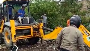 DLH Sumut Diapresiasi Warga, 2 Alat Berat Dan 21 Truk Sampah Diturunkan Bersihkan Sungai Bedera