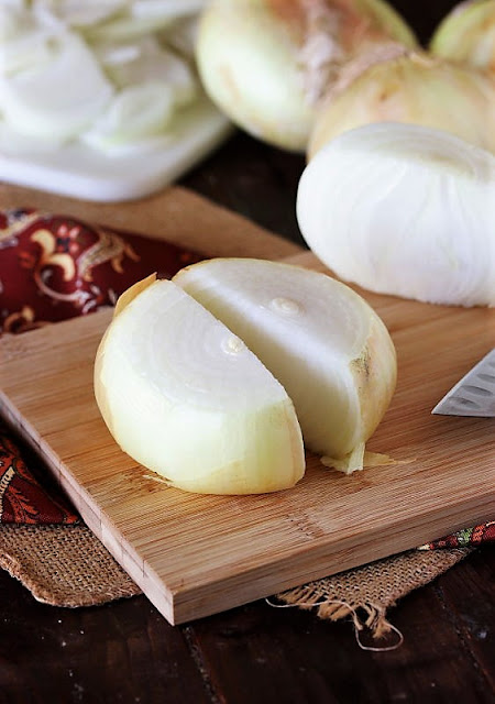 Vidalia Sweet Onion Cut in Half Image