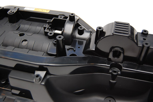 Tamiya Jeep Wrangler chassis pictures