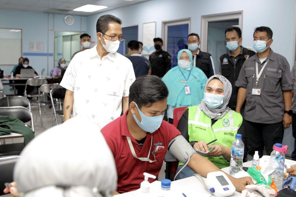 Wakil Walikota Batam Menghadiri Vaksinasi Massal Yang Digelar Pemko dan Perkumpulan Selingsing