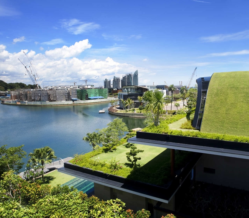 Terraces of an Amazing home with impressive green roof, Singapore
