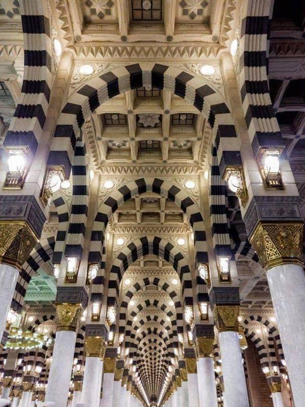 A symmetrical hallway in Medina