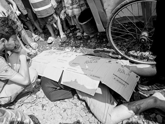 Seorang Pria Tewas Tersambar KRL Di Jalur Rel KA Di Perbatasan Wilayah Pekojan Dengan Pejagalan Jakarta Utara