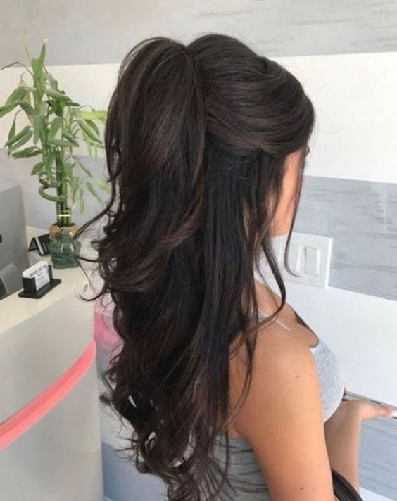 Pretty Hairstyles For Holiday Season Party & New Year Eve Party