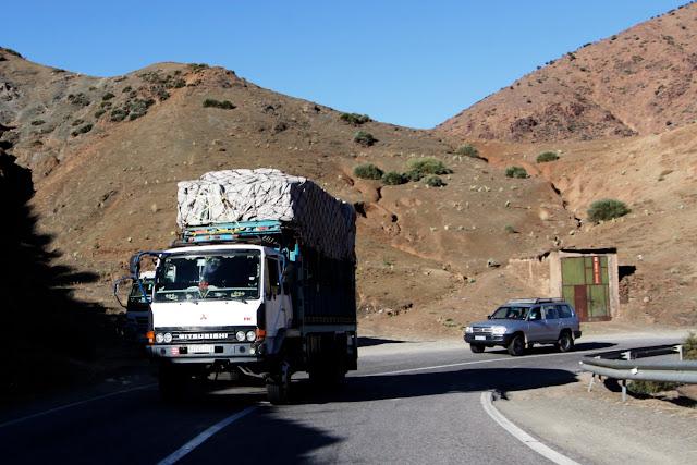 Camión por las carreteras de Marruecos