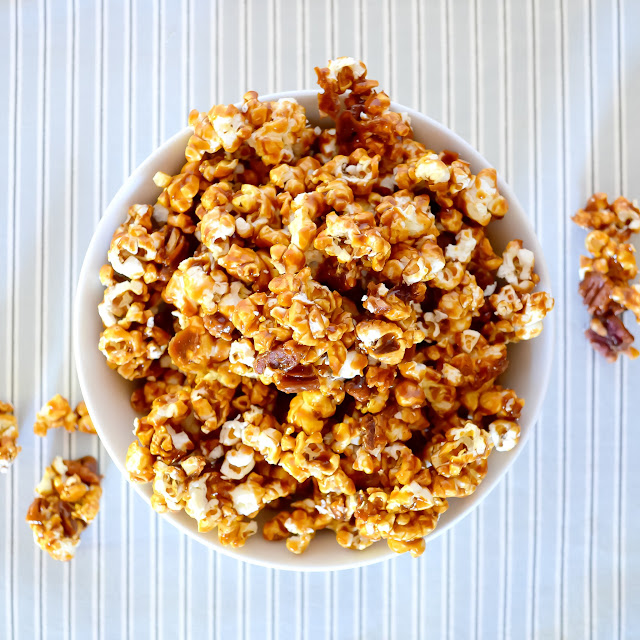 Caramel Corn From Scratch with step by step instructions with photos. So good!
