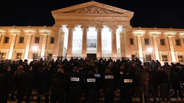 Policías franceses se manifiestan para exigir penas más duras