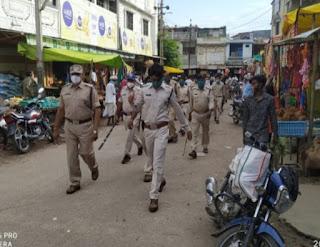 मेघनगर शनिवार व रविवार लॉक डाउन, त्योहारों पर सुरक्षा का भरोसा दिलाते हुए पुलिस ने निकाला फ्लैग मार्च