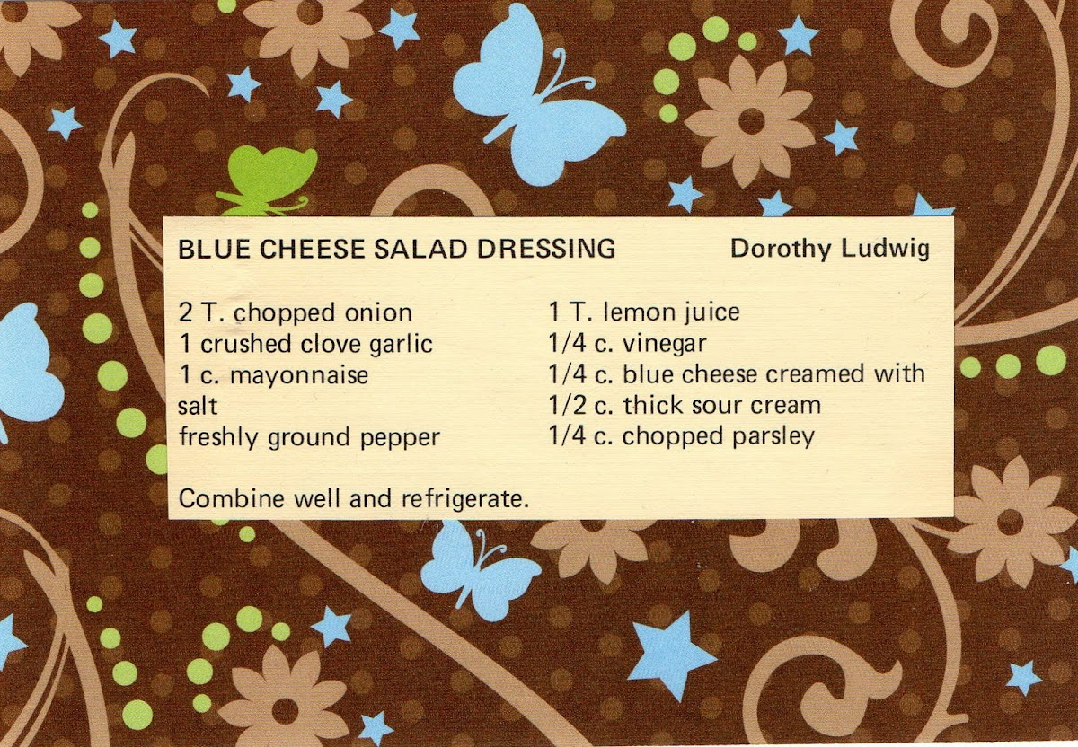 Blue Cheese Salad Dressing (quick recipe)
