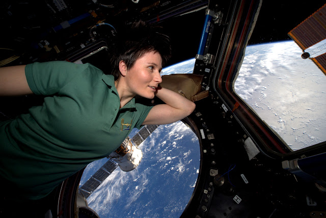 Astronaut Samantha Cristoforetti on the International Space Station. Credit ESA/NASA.
