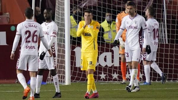 Vuelven a perjudicar al Málaga, esta vez no le pitan un penalti claro a Joaquín Muñoz contra el Albacete