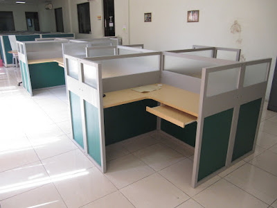 Desain Cubicle Workstation X-shape + Furniture Semarang