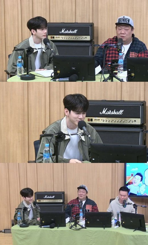 Singer Ong Seongwoo mentioned SG Wannabe Kim Jinho as a singer he wants to get close to.