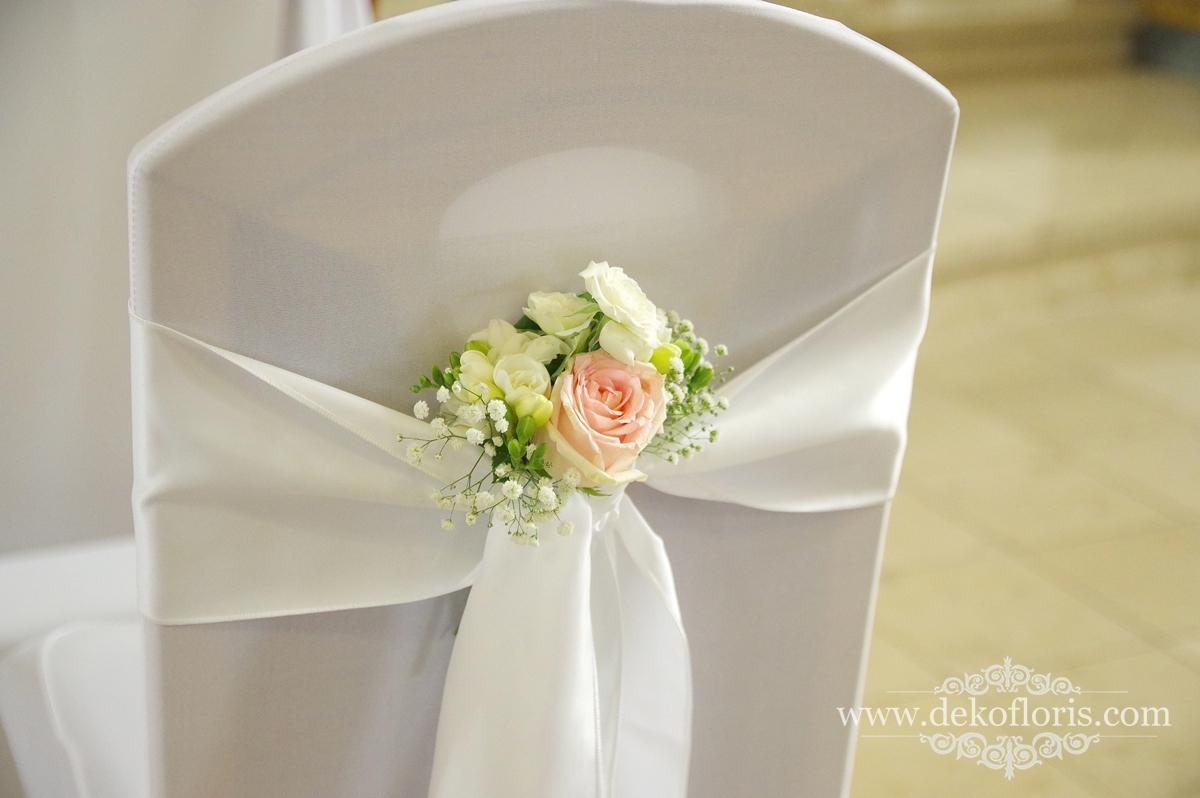 Dekoracja klęcznika i krzeseł Młodej Pary pudrowy róż