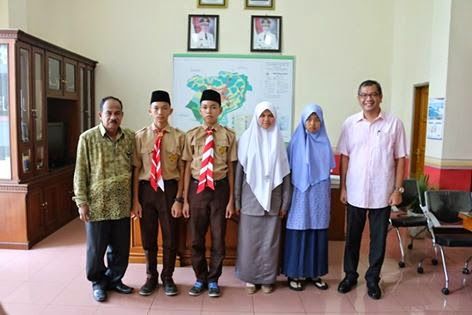 Walikota-Payakumbuh-Riza-Falepi-Umrahkan-Pelajar