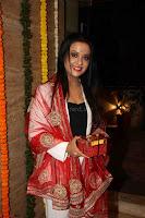 Sachin Tendulkar with his wife at Mata ka Jagrata hosted by Anu Malik 25.JPG