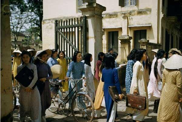 Hà Nội xưa sinh viên tan trường