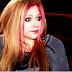 6 Cosas que Avril Lavigne debería hacer (ya) para salvar su carrera (en serio)