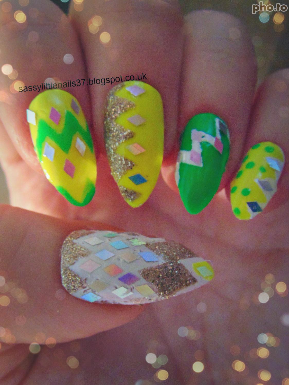 SassyLittleNails: Sparkly Nails review&nailart