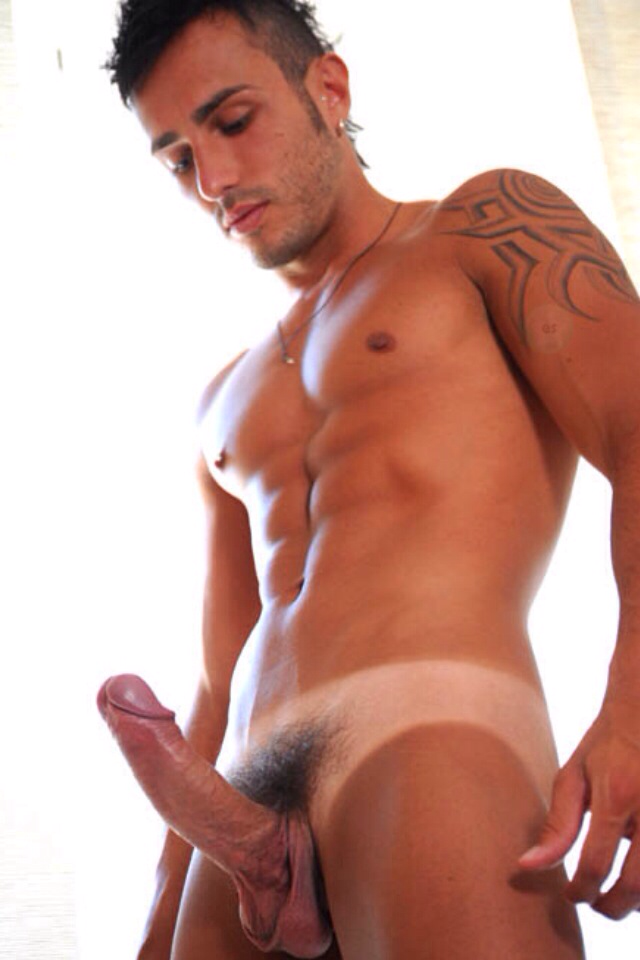Hombres rusos gay desnudos