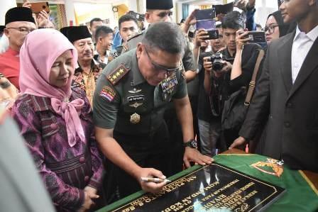 Letjen TNI AM Putranto, S.Sos  meresmikan Gedung baru Asrama Putra  Ponpes Yatim Piatu Riyadhus Solihin