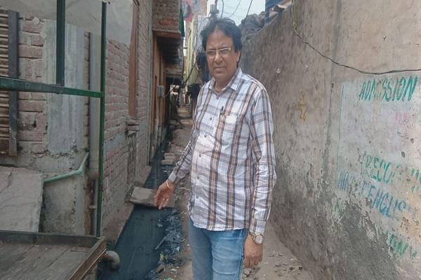 advocate-ln-parashar-raise-issue-of-sant-nagar-gandagi-smart-city