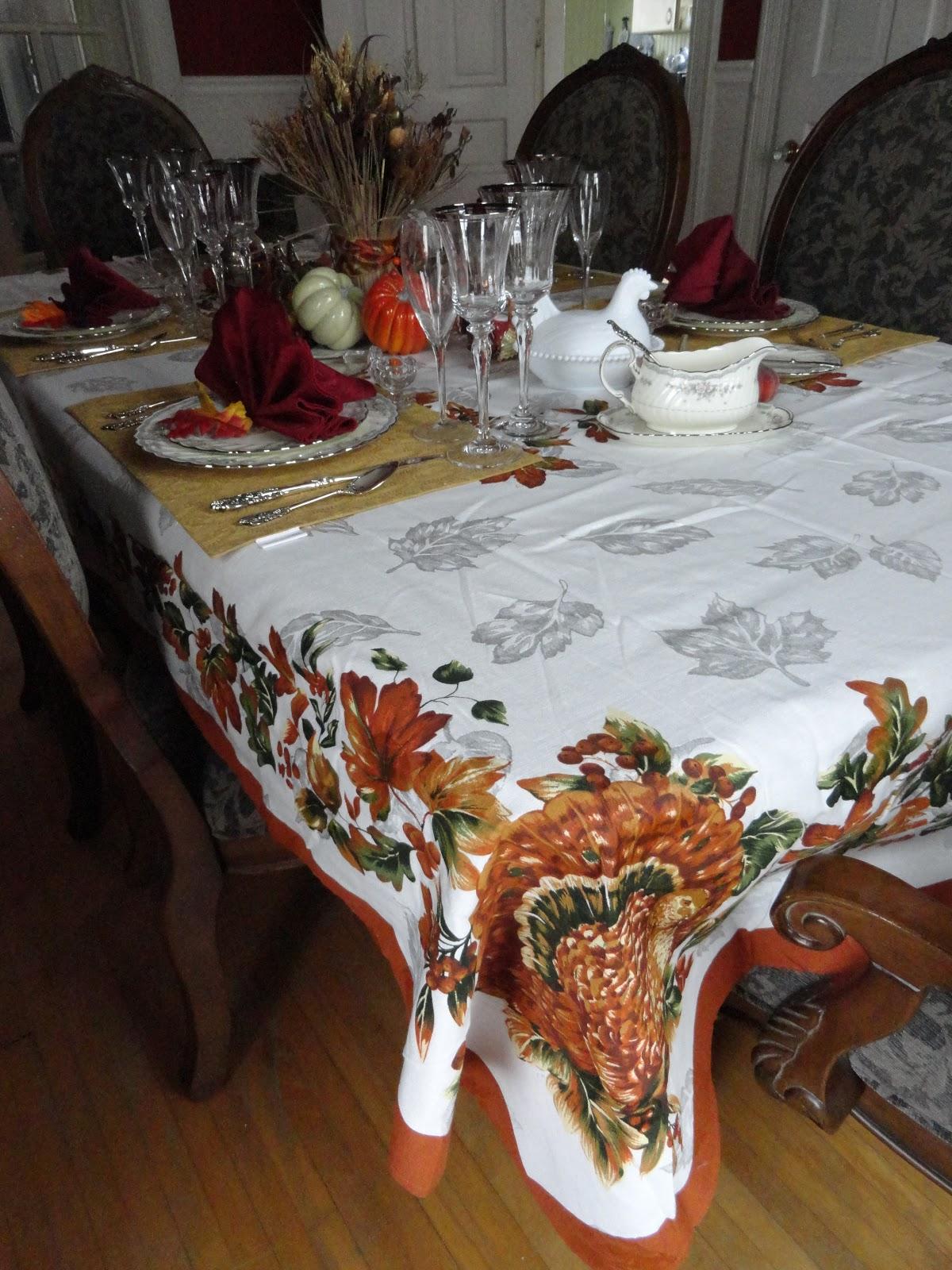 Le Beau Paon Victorien A Thanksgiving Tablescape