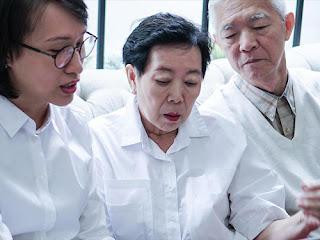 الحكومة الصينية تأمر الأسر ذات الدخل المنخفض بالتخلي عن إيمانها المسيحي أو فقدان المساعدة المالية