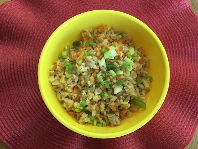 Receta de Yakimeshi con carne y camarón